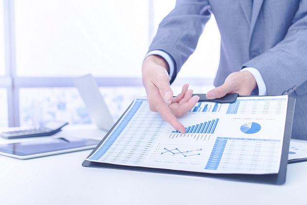 Bei Fonds sollte auf die Mischung aus Rentenfonds und Aktienfonds geachtet werden: Wer sehr sicher anlegen möchte, mixt 75 Prozent Renten- und 25 Prozent Aktienfonds. (#04)