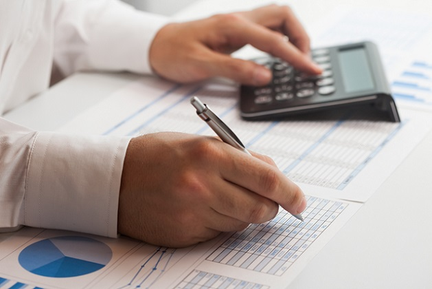 Fonds werden über Fondsgesellschaften und Fondsvermittler gehandelt, über Hausbanken und Onlinebroker. (#05)