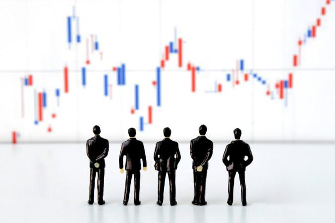 Aktienkurse steigen oder fallen aufgrund des Verhältnisses zwischen Angebot und Nachfrage. (#1)