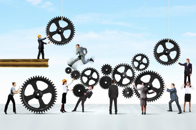 Ein entscheidender Teil der Mitarbeiterbefragung ist die Einbeziehung der Mitarbeiter in die Entscheidungsprozesse des Unternehmens. Um sich bei der Themenfonds Analyse als herrausstechendes Unternehmen von den Anderen abzuheben, ist die Anerkennung der Mitarbeiter-Meinung ein wichtiger Faktor. (#3)