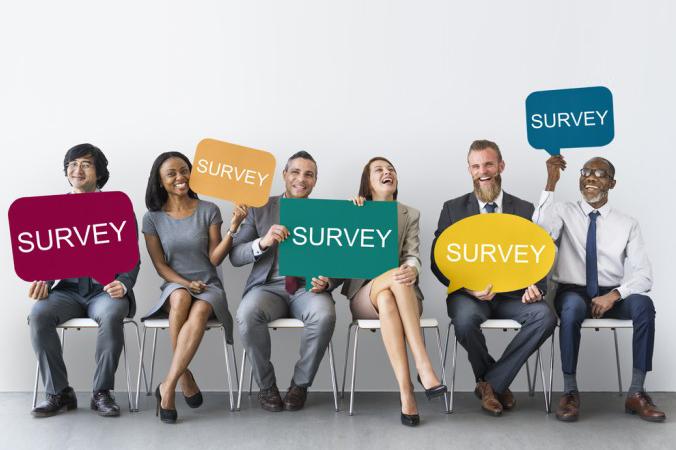 Mit einer Mitarbeiter-Umfrage lässt sich schnell herausfinden wie zufrieden die Mitarbeiter eines Unternehmens sind. Und eins ist klar, je glücklicher die Mitarbeiter, desto erfolgreicher ein Unternehmen. (#1)