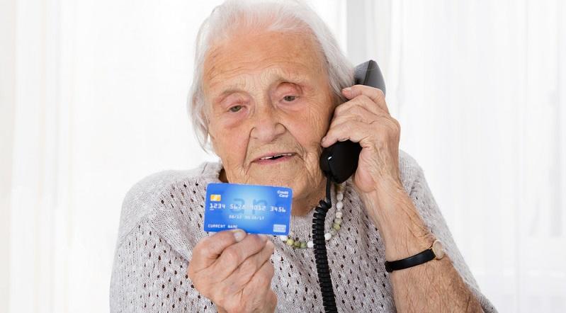 Manche Rentner scheuen sich davor, im Alter noch einmal einen Kredit aufzunehmen. Was, wenn sie diesen nicht abbezahlen können, ehe sie sterben? (#01)