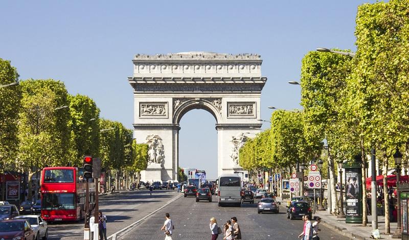 Paris ist die mit Abstand bedeutendste Wirtschaftsmetropole in Frankreich. Vielversprechende Investitionen sind aber auch in der Provinz zu finden. (#2)