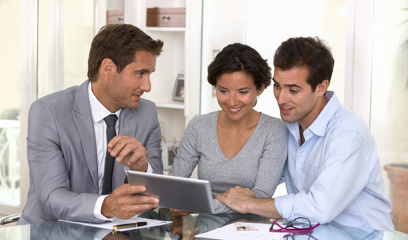 Augen auf bei der Beteiligung an Immobilien. Das Investments soll sich schließlich für alle Vertragspartner lohnen. (#3)