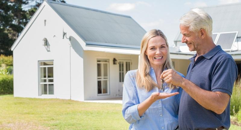 Die Empfehlung, in Immobilien zu investieren, mag eine gute Idee sein. Doch wie sieht es für Senioren aus?